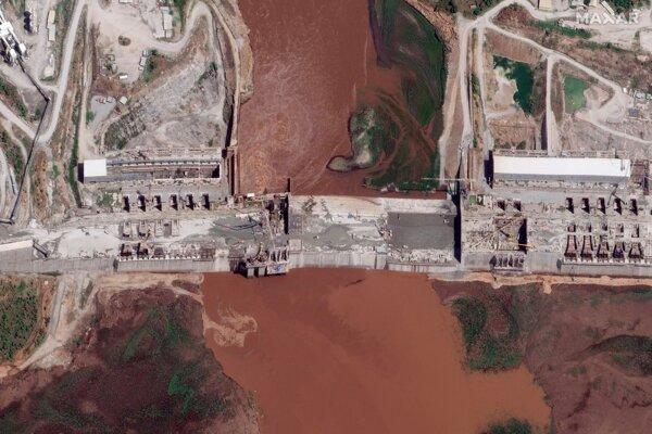 Satelitný záber z 28. mája 2020 ukazuje priehradu priehradu na Modrom Níle.
