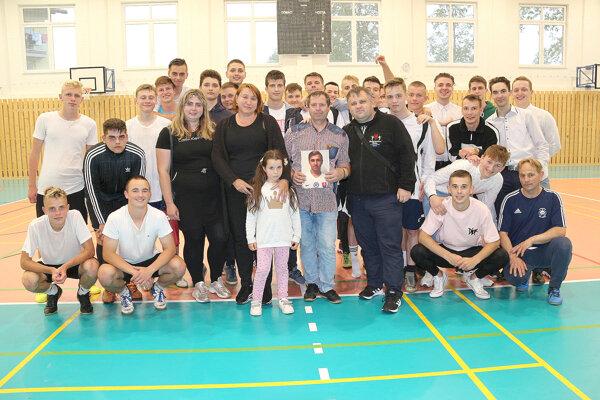 Medzi účastníkov turnaja prišli aj rodičia Adriána Sivoňa.