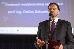 Ocenený prof. Dušan Galusek