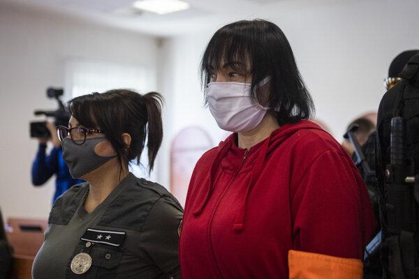 Obžalovaná Alena Zsuzsová na pojednávaní 1. júna 2020.