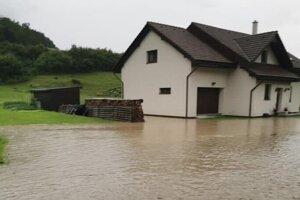 Záplavy v Chmeľovej.