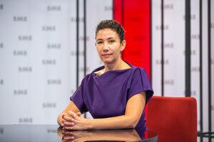 Lucia Ďuriš Nicholsonová v relácii Rozhovory ZKH.