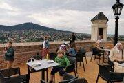 Nová terasa pri Vazulovej veži.