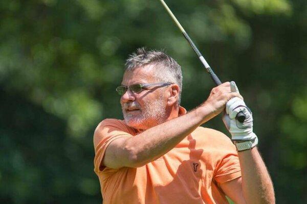 Bývalý viceprezident železiarní Bilík je vášnivým golfistom.