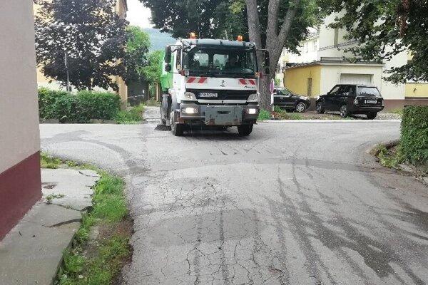 Z čistenia ulíc.