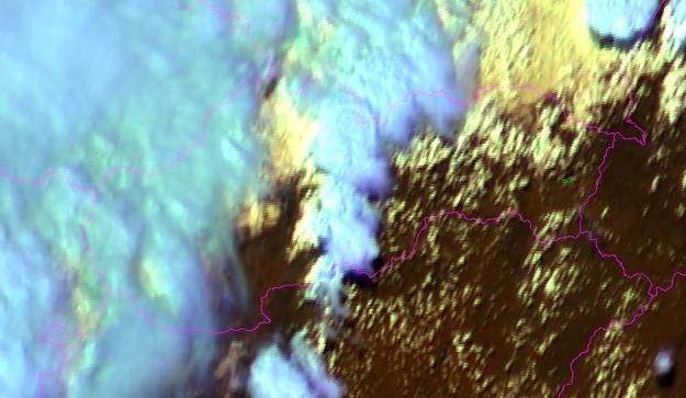 Pohľad z družice na oblačnosť, ktoré sa zo severozápadu nasúva nad Slovensko. čas: 15:45 h.