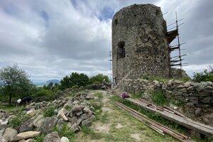 Bašta hradu Šariš, ktorú nazývajú Alžbetka.