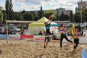 V ženskej časti turnaja sa z prvenstva tešili Silvia Murínová a Kristína Harmanová.