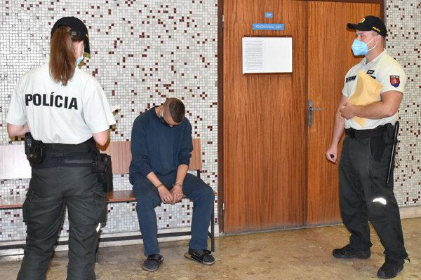 Matej čaká na verdikt súdu.
