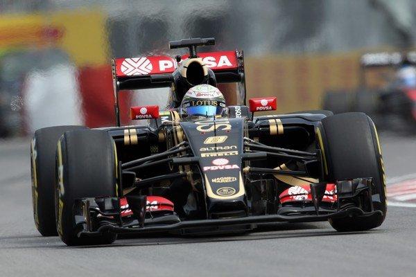 Francúzsky jazdec F1 zo stajne Lotus Romain Grosjean  počas prvého voľného tréningu pred Veľkou cenou Kanady F1.