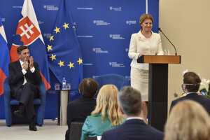 Slovinský prezident Borut Pahor a slovenská prezidentka Zuzana Čaputová počas otvorenia slovensko-slovinského biznis fóra.