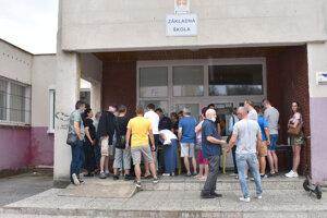 Obyvatelia prichádzali na stretnutie, ktoré organizovala MČ, od začiatku pozvoľne. Diskusia sa k záveru vyostrovala.