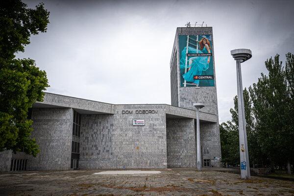 Dom odborov na bratislavskom Trnavskom mýte.