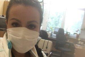 Barbora počas praxe v Kysuckej nemocnici.