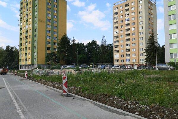 Domy v okolí vybuchnutej a už zbúranej bytovky na Mukačevskej ulici, vchody č. 3, 5 a 9.