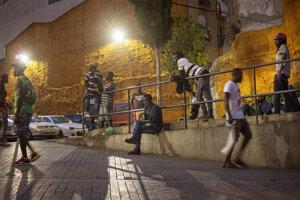 Migranti hľadajúci sezónnu prácu v Lleide.