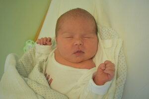Laura Sádecká (3210 g, 48 cm) sa narodila 19. júla Erike a Lukášovi zo Skalky nad Váhom.