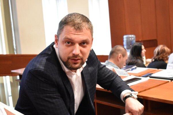 Tomáš Petraško ustál závery kontroly, petíciu i nedodržanie povinností po nástupe do funkcie.
