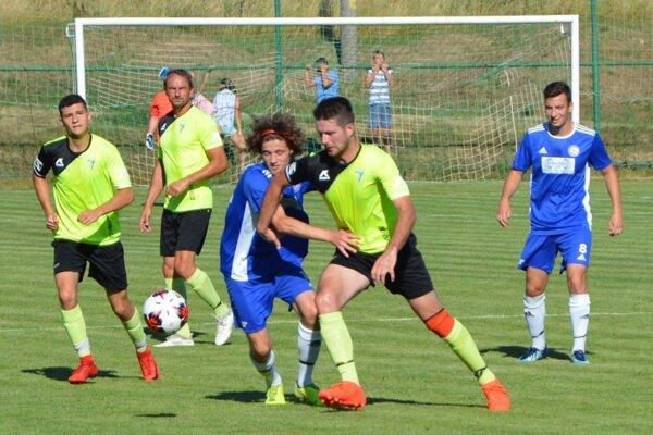 Jacovce v prvom kole vyhrali, úvodný gól strelil Marek Chrenko.
