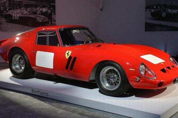 Toto je typ Ferrari 250 GTO, ktoré vydražili.