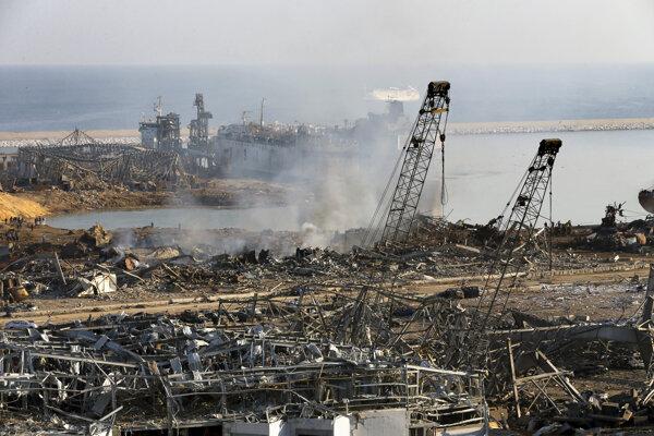 Miesto explózie v bejrútskom prístave. Bejrút, Libanon,  5. augusta 2020.