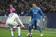 Momentka zo zápasu Juventus Turín - Olympique Lyon (Liga majstrov, osemfinále).
