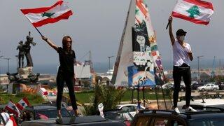 Libanon sa prepadol do chaosu. Ekonómov fascinuje krízami