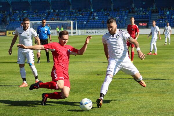 Momentka  z finálového zápasu Sportika Cup medzi Hlbokým a Rybkami.