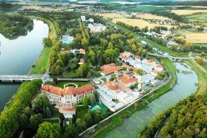 Letecký pohľad na Kúpeľný ostrov, Piešťany