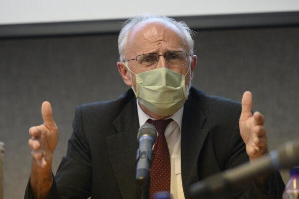Minister pôdohospodárstva a rozvoja vidieka (MPRV) SR Ján Mičovský (OĽaNO).