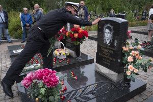 Spomienková ceremónia pre obete havárie ponorky Kursk.