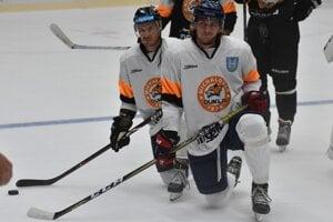Do prípravy na ľade sa s Michalovcami zaradil aj odchovanec Pavol Regenda (vpravo).