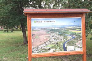 Nová foto mapa pri vstupe do parku.