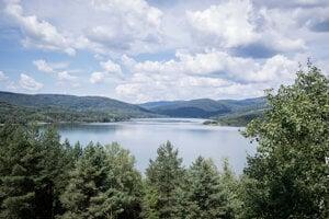 Starina je najväčšia vodná nádrž na pitnú vodu na Slovensku, zároveň je najväčším zdrojom pitnej vody v strednej Európe.