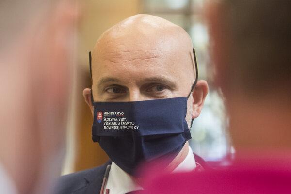 Minister školstva, vedy výskumu a športu minister SR Branislav Gröhling.