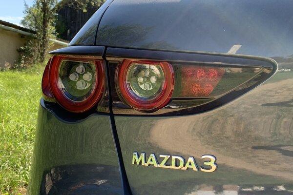 Mazda 3 je jedným z modelov, pri ktorom zvažuje firma redukciu výroby.
