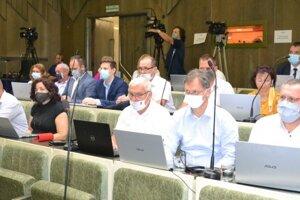 Zasadnutie mestského zastupiteľstva v Humennom.