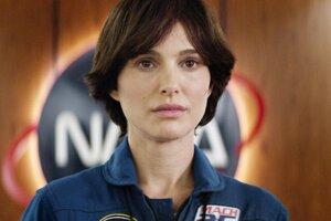 Natalie Portman ako americká astronautka vo filme Lucy in the Sky.