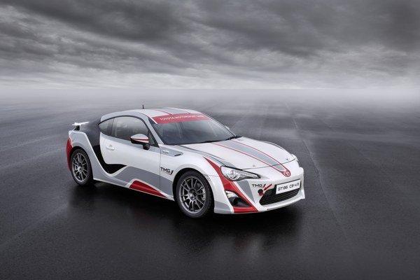 Oznámenie o vývoji rely vozidla prišlo mesiac po tom, čo Toyota uvoľnila informácie o modeli GT86 CS-V3 (na fotografiách) určenom pre sériu Nürburgring VLN.
