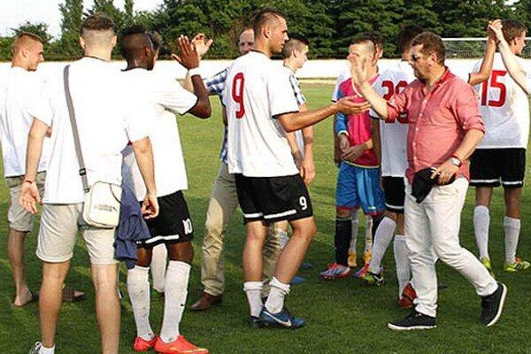 Galanťania vyhrali v minulej sezóne IV. ligu Juhovýchod a v sobotu budú reprezentovať ZsFZ v Maďarsku.
