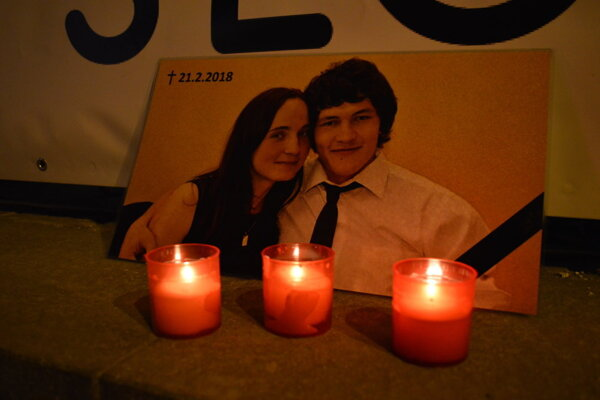 Sviečka pre Jána a Martinu.
