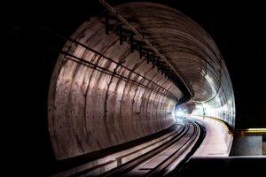 Výstavba tunela trvala desať rokov.