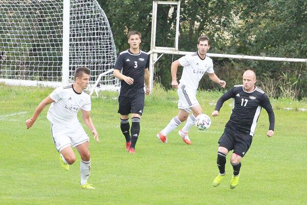 Treťoligovému derby pod Pilskom nechýbalo nasadenie ani šance, góly však áno.