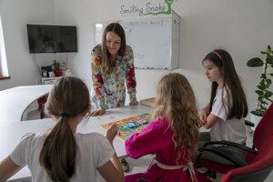 Dana Dobšíčková, lektorka a majiteľka súkromnej jazykovej školy Smiling Snake.