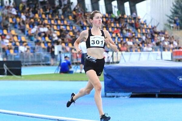 Líza Hazuchová vytvorila nový juniorský rekord v behu na 5000 metrov.