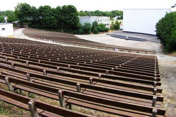 Na amfiteátri naposledy premietali filmy v roku 2008.