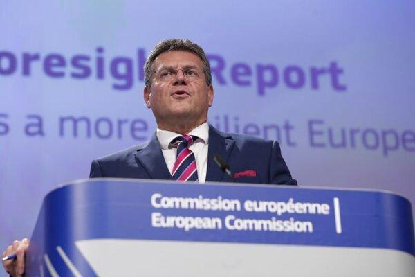 Podpredseda Európskej komisie pre medziinštitucionálne vzťahy a strategický výhľad Maroš Šefčovič v stredu v Bruseli predstavil prvú výročnú správu Európskej komisie o strategickom výhľade.