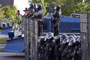 Policajný kordón v Minsku.