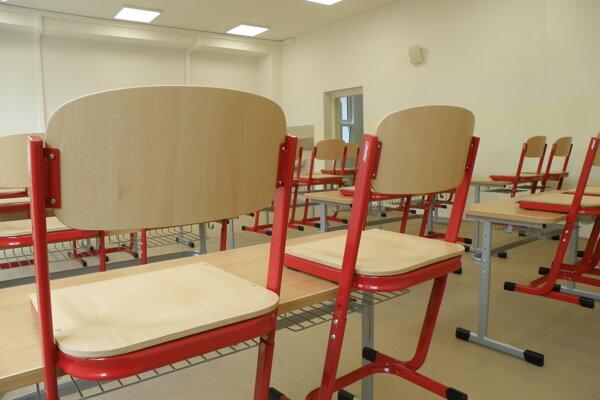 Prázdna trieda. Ilustračné foto.