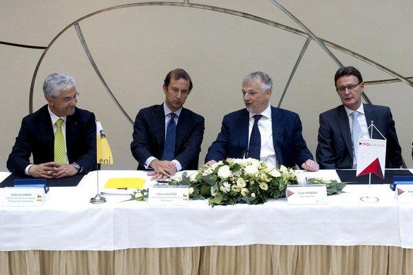 Podpis kúpy aktivít Eni v Česku, na Slovensku a v Rumunsku.